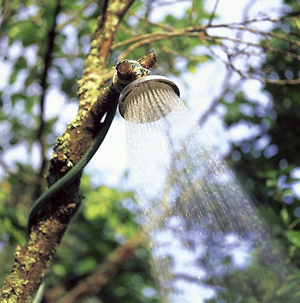 outdoor-shower-on-tree