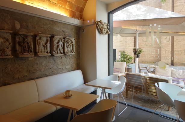 hotel-llegendes-girona-breakfast-room-urbangardensweb