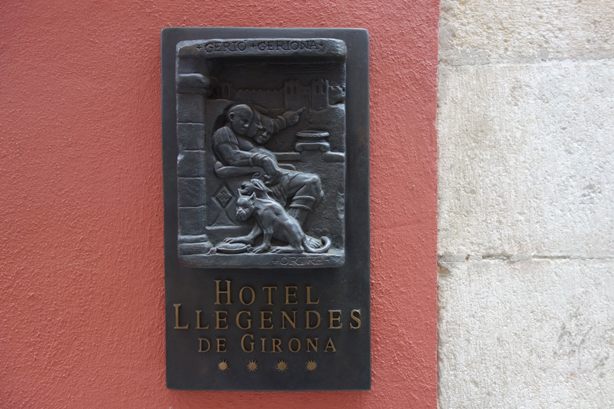 llegendes-sculpture-outdoors