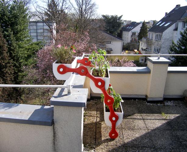 pflsk modular vertical gardening system
