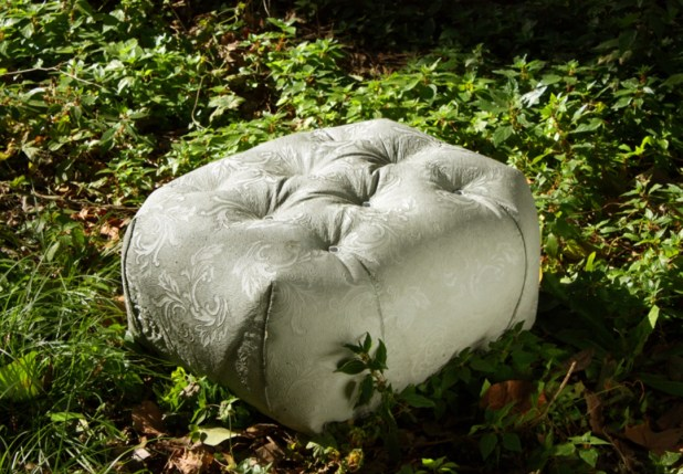 soft-look-Concrete-outdoor-pouf-M-Bench-by-Grupo-Bondi