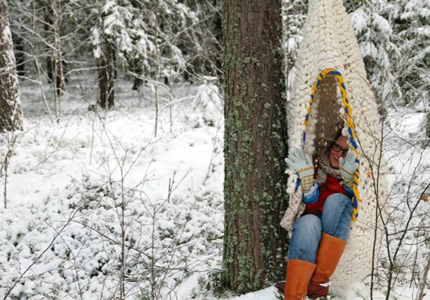 woolweave-weather-resistant-outdoor-swings-in-winter