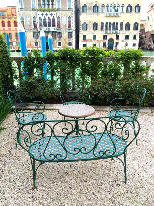 palazzo-barnabo-garden-seating-on-canal-614