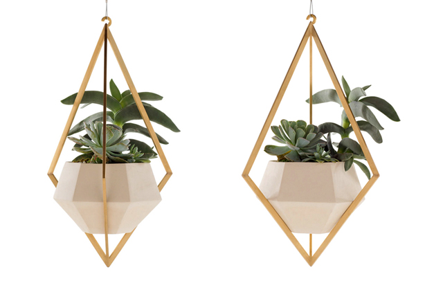 tetra-ceramic-brass-hanging-planters-farrah-sit-urbangardensweb