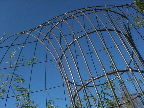 francis-beninca-detail-rebar-sculpture-urbangardensweb