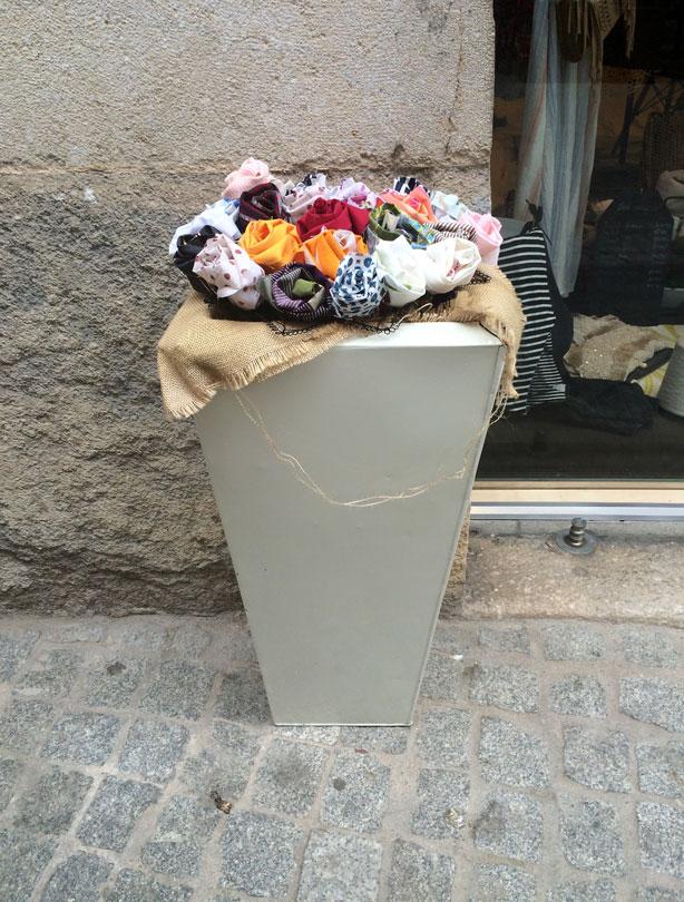 temps-de-flors-fabric-flowers-pot-urbangardensweb