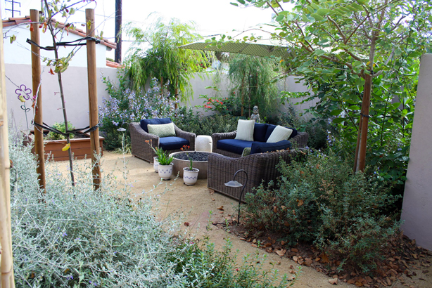 Santa Monica Water Efficient Garden. Photo Via Garden Conservancy.
