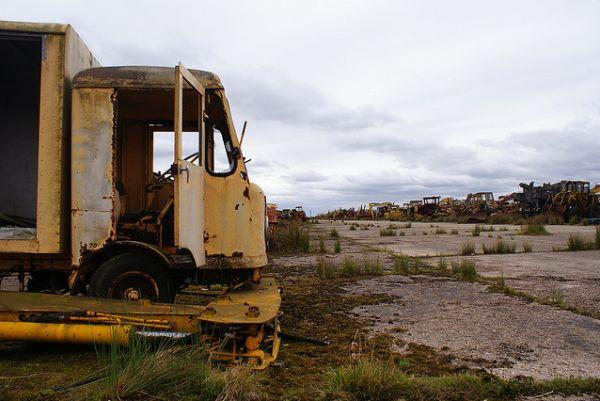 Roles Royal Car Wallpaper Vehicle Graveyard Haunts Abandoned Raf Folkingham Air Base