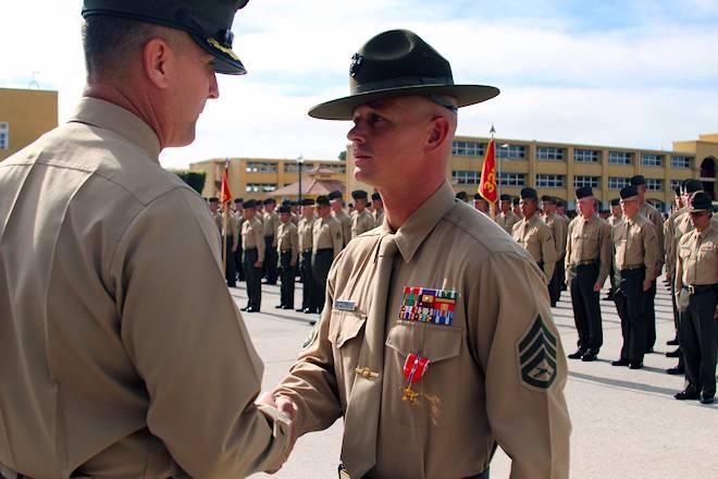 USA Patriotism! Article \u003e Drill Instructor SSgt Christopher