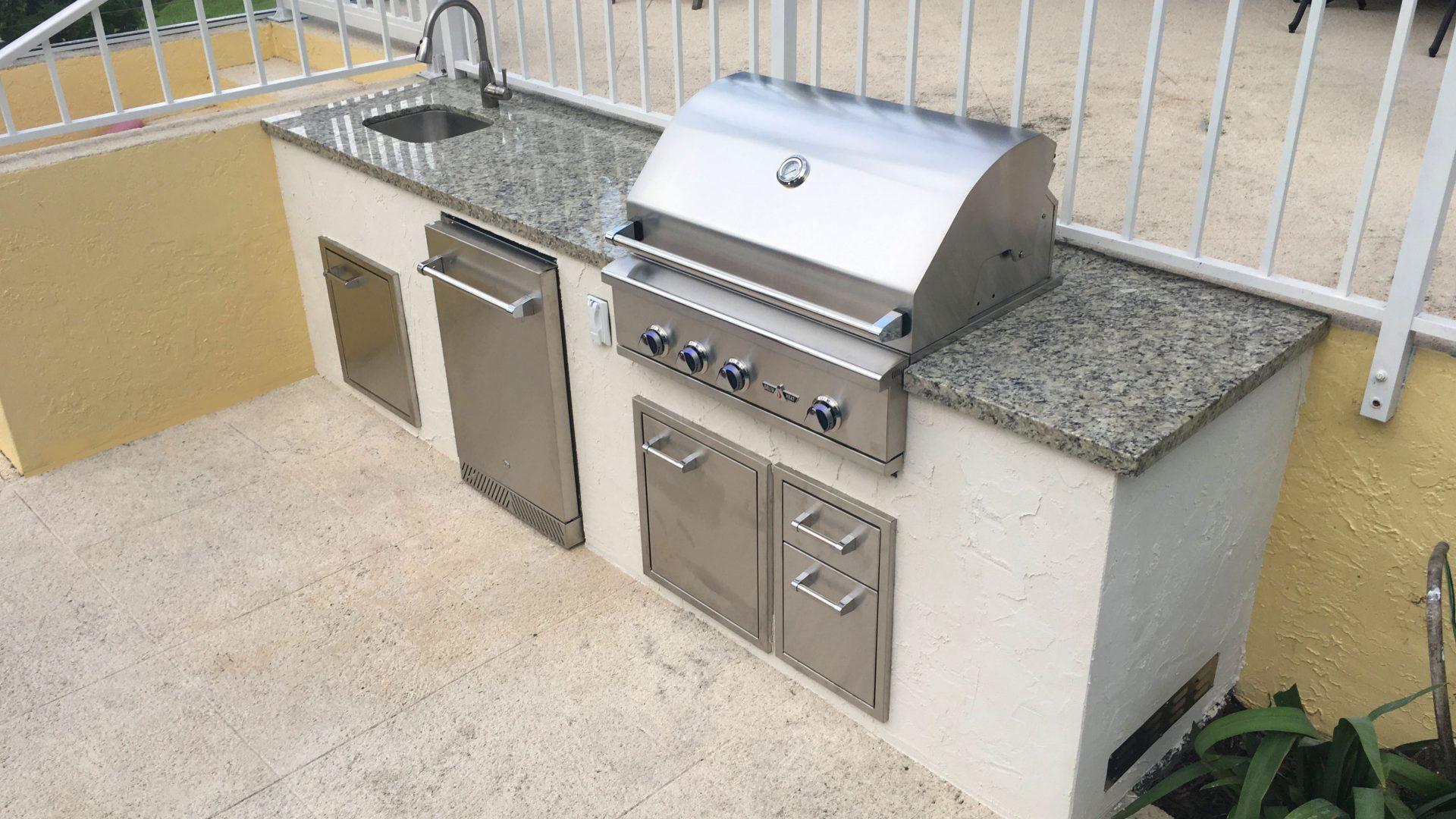 Fort Lauderdale Luxury Outdoor Kitchen Contractor