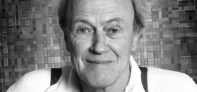 Which movie's screenplay did Roald Dahl write?