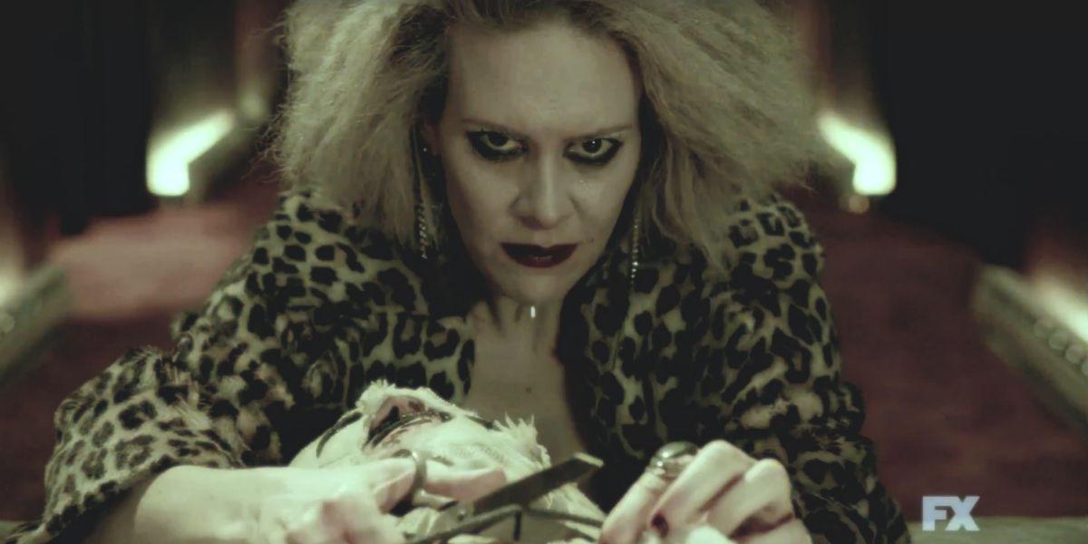 american-horror-story-hotel-cast-trailer-sarah-paulson
