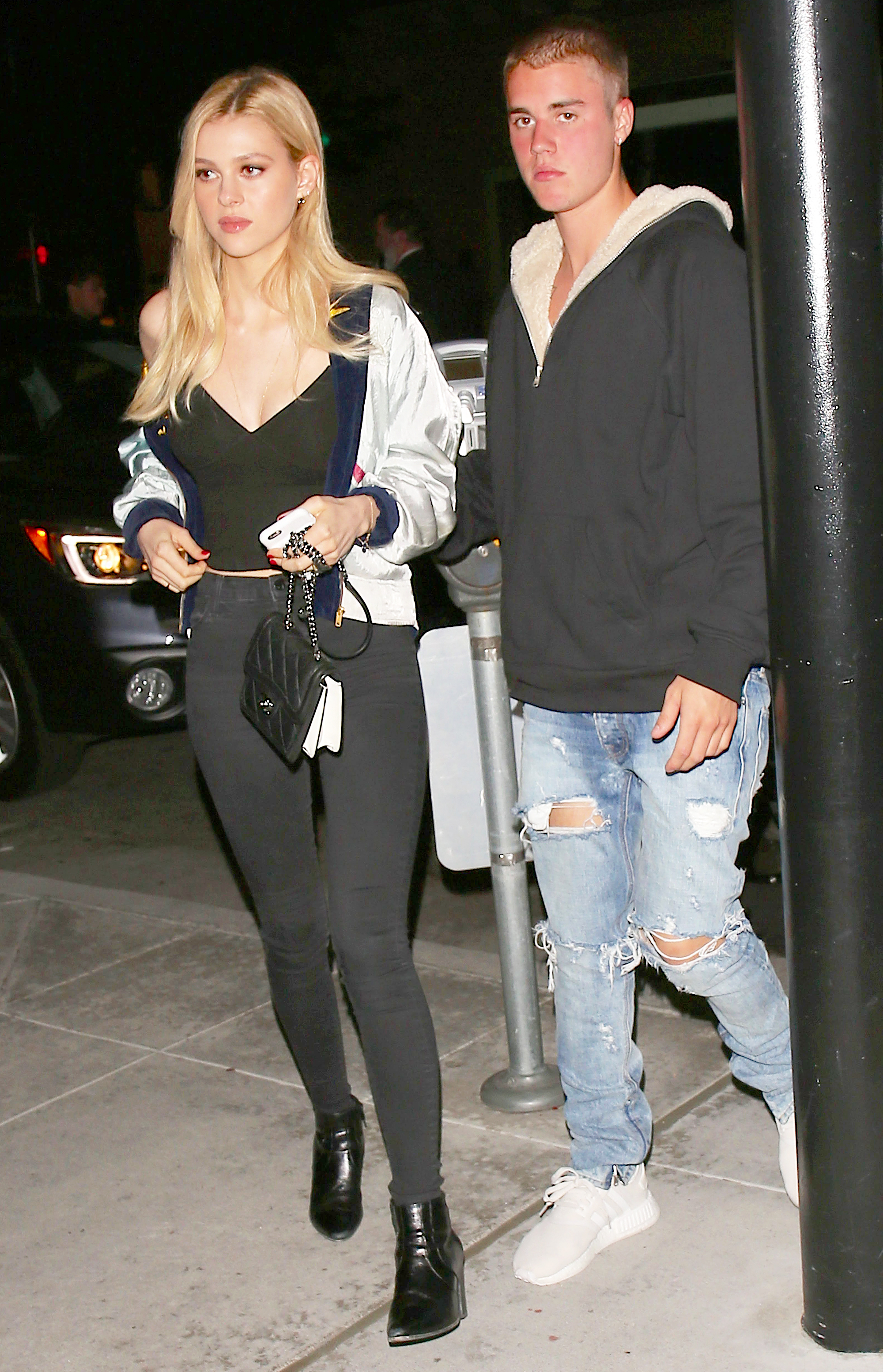 Lonely Girl Walking Wallpaper Justin Bieber Spotted On Dinner Date With Nicola Peltz Pics
