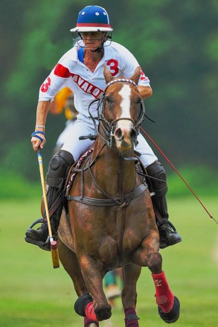 Cindy Halle riding