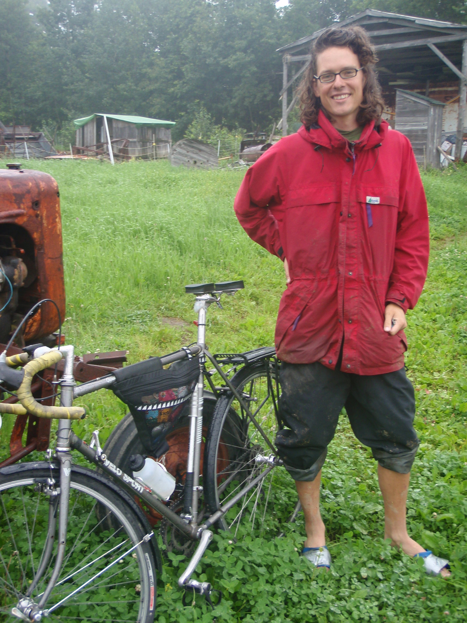 Canadian Bicyclist Trading Labor for Tent Space on Farms in America