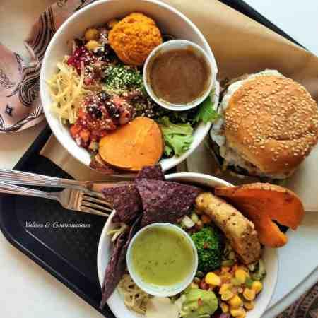 """Healthy vegan """"fast food"""" in Montreal"""