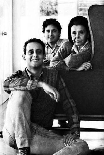 vicente y lorenzo en barranco lima 1988 Foto Herman Schwarz  Archivo Blanca Varela