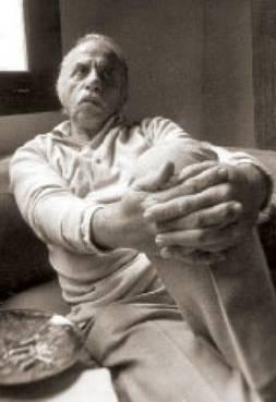 El poeta alejandro Romualdo Valle, reflexionando.