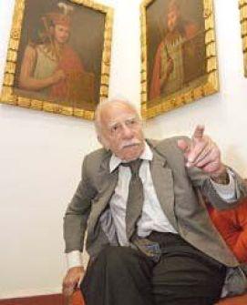 El poeta Alejandro Romualdo.