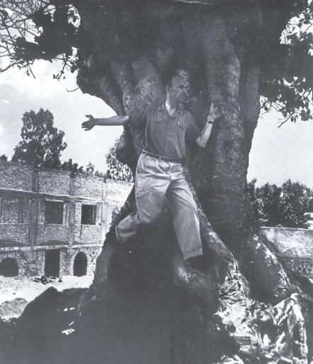 Juan Larrea en México. C. 1945