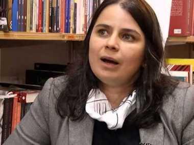 La poeta Simone de Andrade Neves.