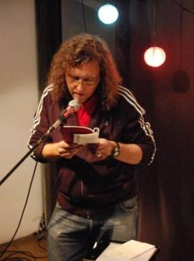 El poeta Sandro Barrella