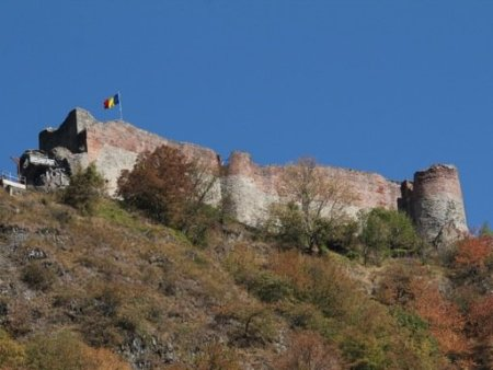 draculas_castle_poenari_