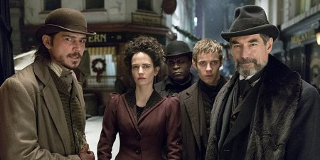 Josh Hartnett as Ethan Chandler, Eva Green as Vanessa Ives, Danny Sapani as Sembene, Harry Treadaway as Dr. Victor Frankenstein and Timothy Dalton as Sir Malcolm in Penny Dreadful (season 1, episode 8). - Photo:  Jonathan Hession/SHOWTIME - Photo ID:  PennyDreadful_108_0011