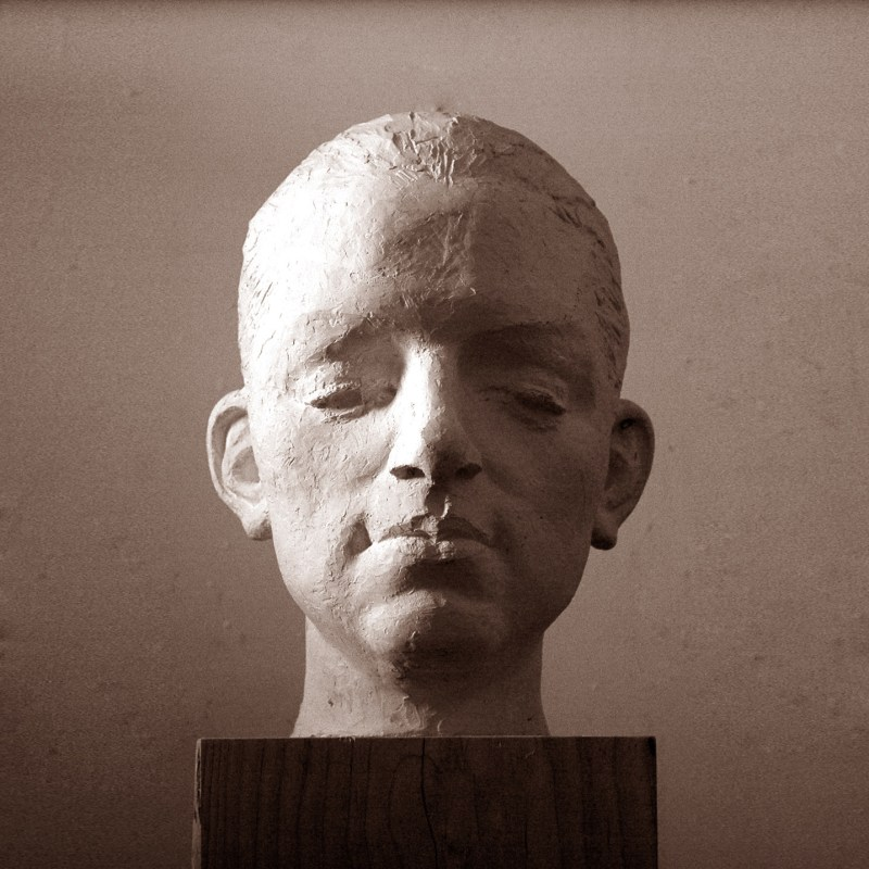 sculpture portrait by Geemon Xin Meng, Vancouver Sculpture Studio