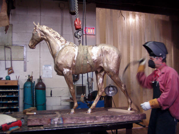 "Michael Nolte Welds Alexa King's ""Steeple Chase"""