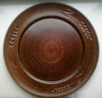 Глиняная тарелка