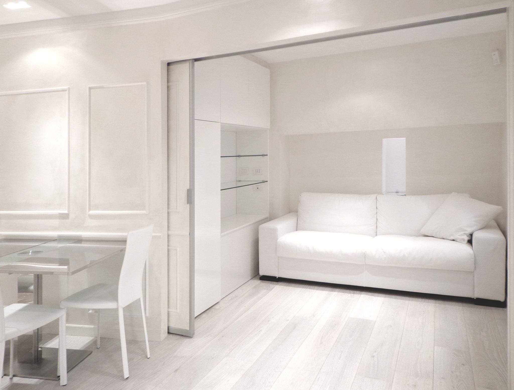 40 mq in total white un appartamento ideale arredamento for Tessuti arredamento outlet milano