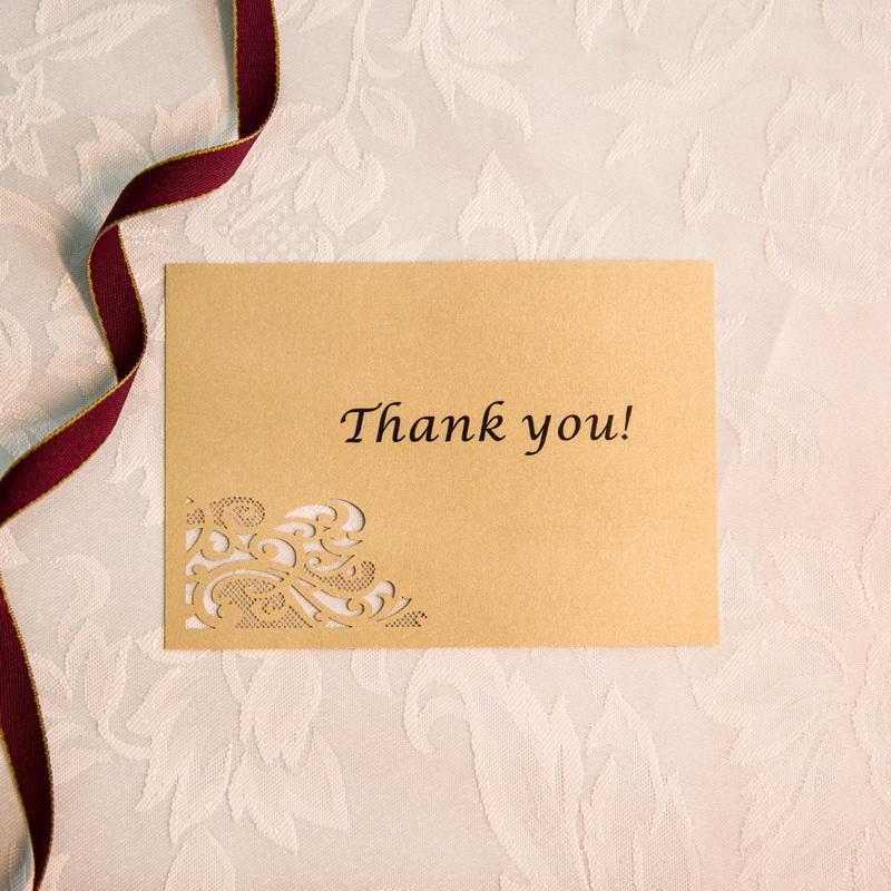 tarjetas de recordatorios, agradecimientos, menú y mesero