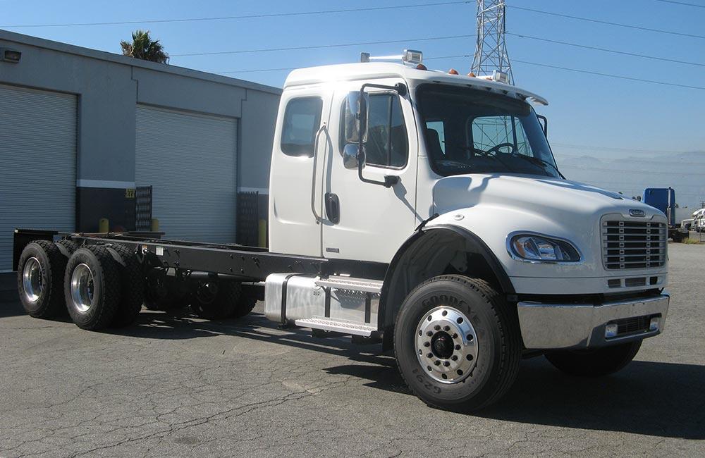 Freightliner M2 Truck M2106 M2-112 Medium Duty Truck Sales at