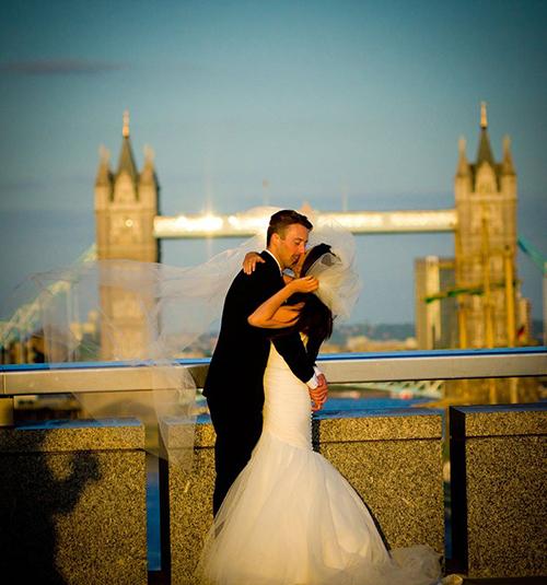 Foto viral de recién casados