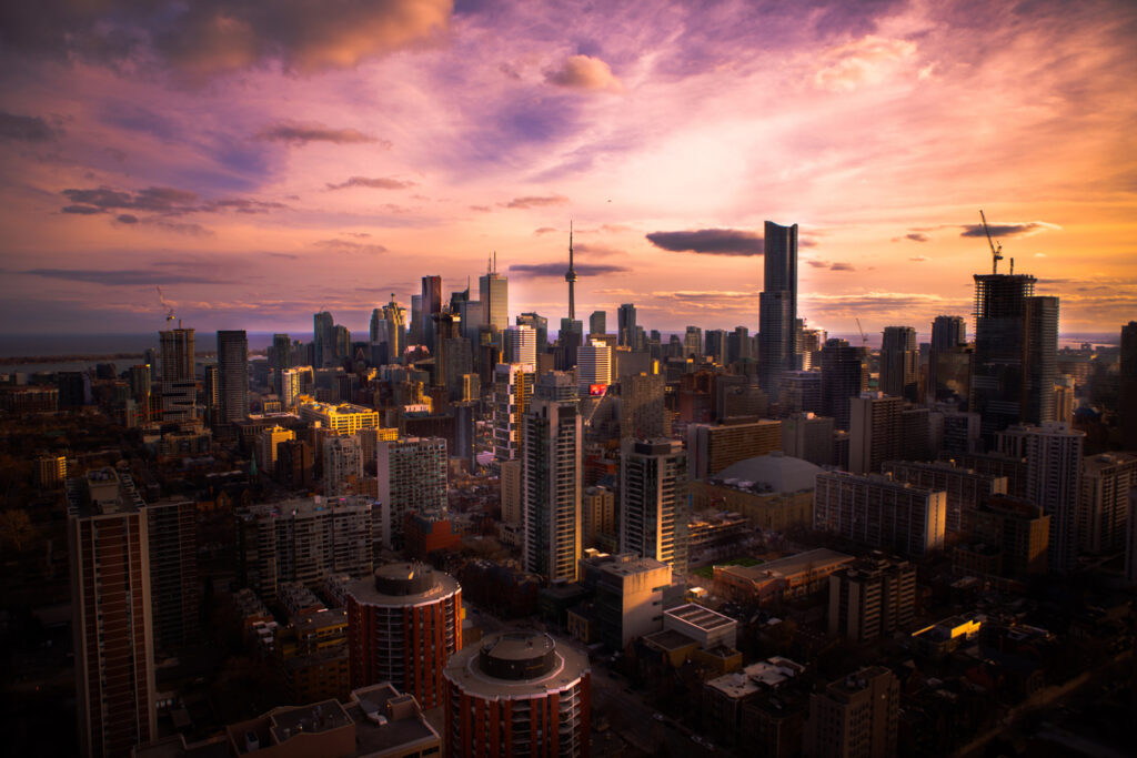 Falling Hearts Wallpaper Falling In Love With Toronto Insider Tips Amp Tricks For