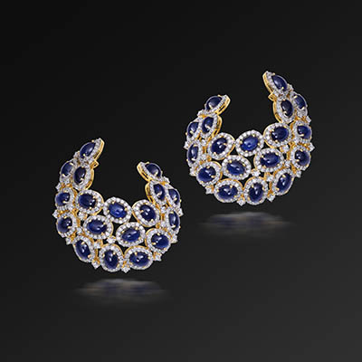 Renu Oberoi earrings with diamonds and sapphires, in 18-carat gold