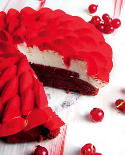 Red-Velvet-Cake-by-La-Folie