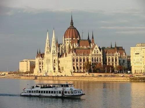Crociera fluviale sul Danubio tra Budapest e Vienna