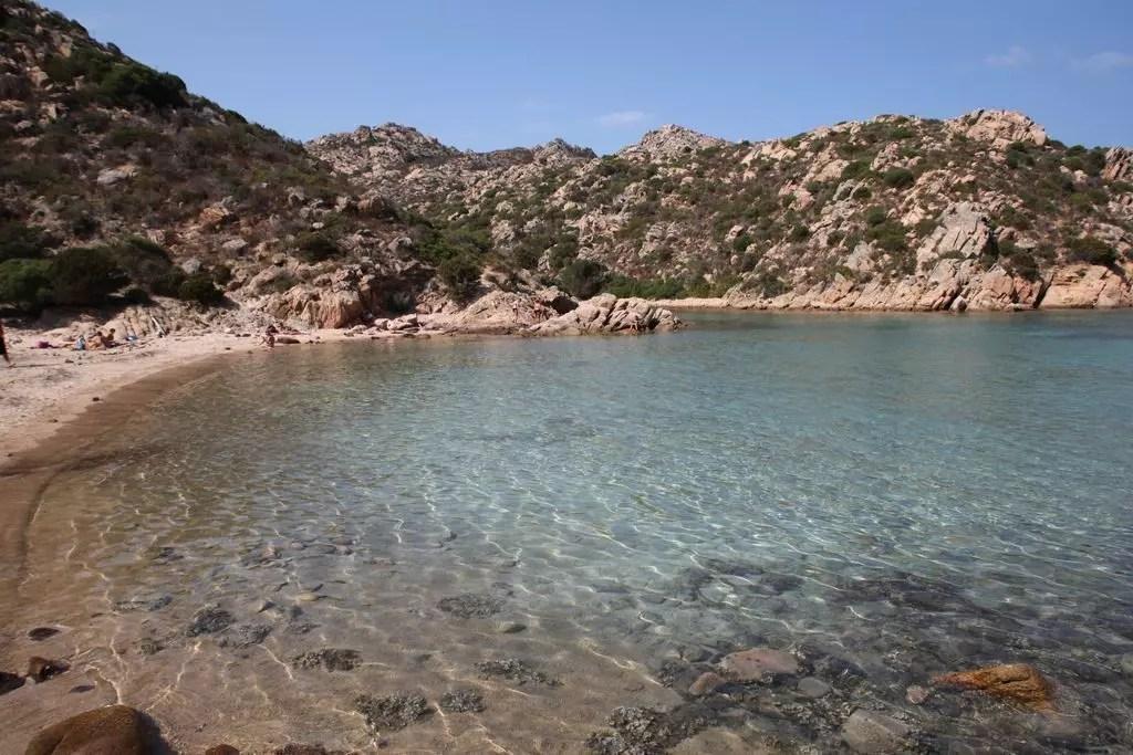 La maddalena in sardegna il parco e le spiagge for Isola arreda cagliari