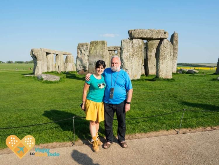 stonehenge free visit