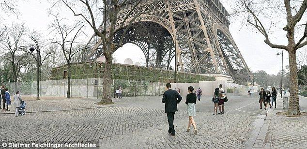 Francia blinda la Torre Eiffel contra ataques terroristas con un muro de cristal antibalas