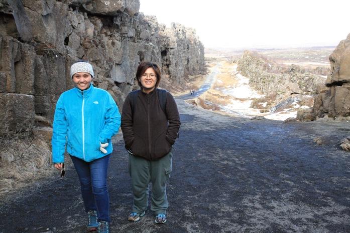 A couple of Viajera Filipinas at Thingvellir National Park