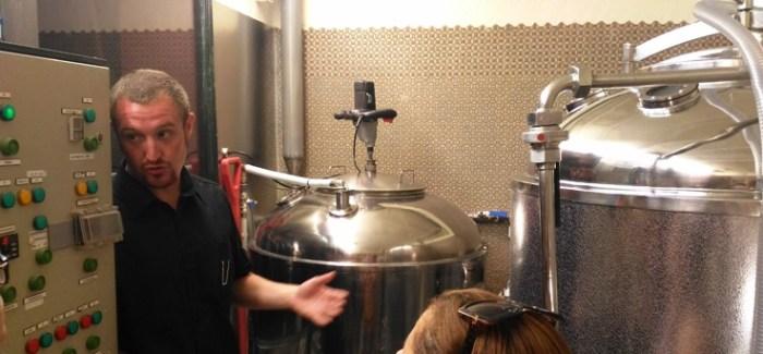 Visita guiada a la micro fábrica cervecera artesana