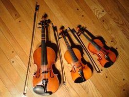 Violins_different_sizes
