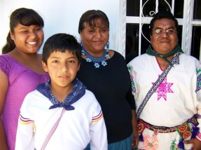 12 Paloma, Isaac, Suzi, y Domingo