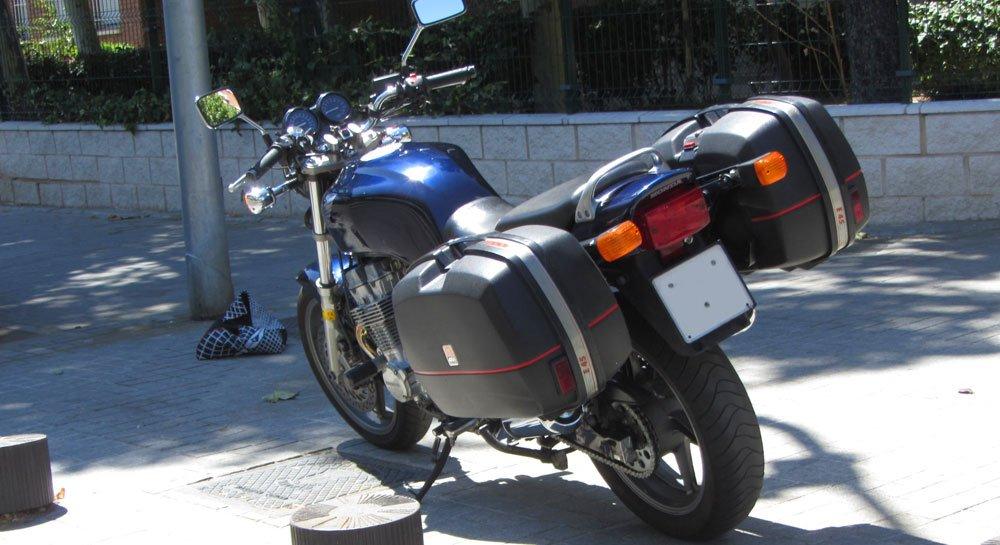 Maletas en Honda CB 750 Sevenfifty