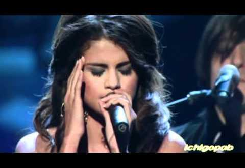 Selena Gomez A Year Without Rain [People s Choice Awards 2011]