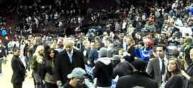 Kim Kardashian Snubs Malki s Deli Customers at NJ Nets game