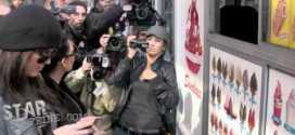 Kim And Khloe Kardashian Buy Some Ice Cream In New York City